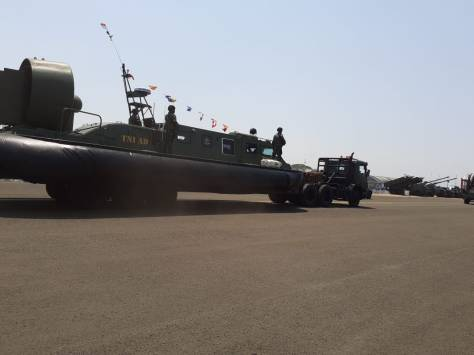 Hovercraft TNI AD di HUT TNI ke-74 1