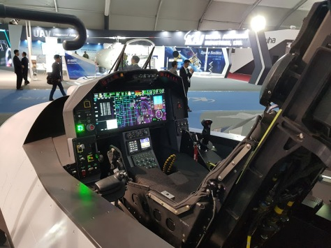 KAI Memperkenalkan Kokpit Futuristik Jet Tempur KF-X Greg Waldron - FlightGlobal