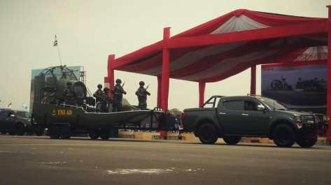 Swam Boat dalam gladi bersih HUT ke-74 TNI di Lapangan Udara (Lanud) Halim Perdanakusuma, Jakarta, Kamis (03102019)