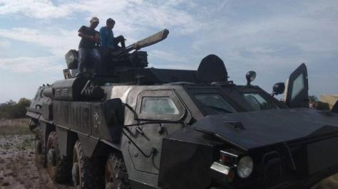 BTR-4M Marinir TNI-AL ketika berada di Jimbaran Desa Tanjung Tinggi Jumat (01112019)