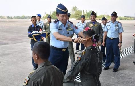 Dengan Pesawat Tempur Sukhoi, Dua Penerbang Skadron Udara 11 Terbang Solo