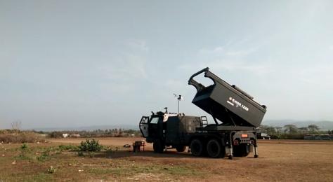Kendaraan peluncur roket R-Han 122B (Kemhan)