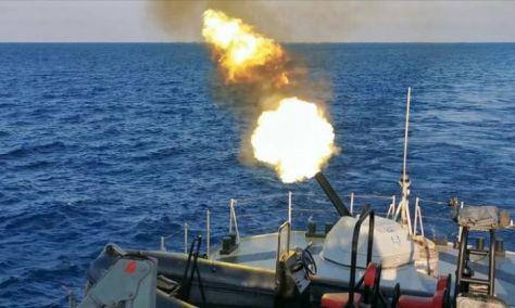 KRI Tombak-629 lakukan penembakan Meriam Six Barrel dan Chaff (TNI AL) 1