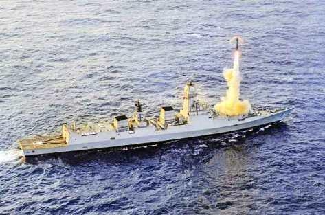 Rudal supersonik diuji coba dari destroyer siluman INS Kochi