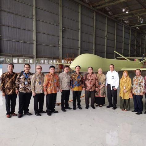 Bambang Brodjonegoro melakukan kunjungan ke PTDI