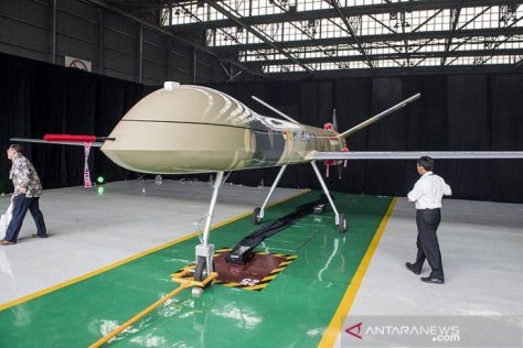 MALE UAV ini diberi nama Elang Hitam (Black Eagle) 1