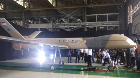 MALE UAV ini diberi nama Elang Hitam (Black Eagle) 2