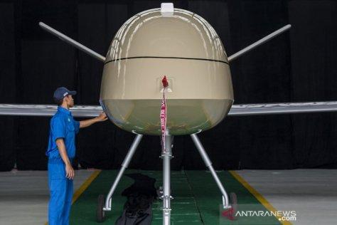 MALE UAV ini diberi nama Elang Hitam (Black Eagle)