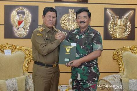 Panglima TNI Terima Sertifikat Hibah Lahan Untuk Pembangunan Makogabwilhan I