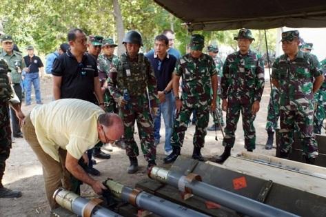 Uji Fungsi Amunisi Roket MLRS Vampire buatan Bulgaria