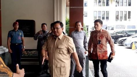 Menhan Prabowo Subianto merapat ke Kemenko Polhukam membahas Perairan Natuna. (detikcom)