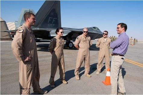 Menteri Pertahanan Amerika Serikat atau Kepala Pentagon, Mark Esper, berbicara di markas Pentagon saat menemui pasukan Amerika di Pangkalan Udara Prince Sultan, Arab Saudi. Air Force Magazine