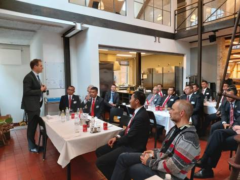 Dubes RI dan Delri Kementerian Pertahanan RI diskusi lebih lanjut mengenai kerja sama bidang pertahanan bersama CEO Odense Maritime Technology, Kåre Groes Christiansen, dan team 1